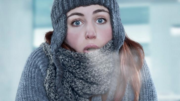 """Adevărul despre """"frigul care ţi-a intrat în oase"""": Ce boală ascunde de fapt această expresie"""