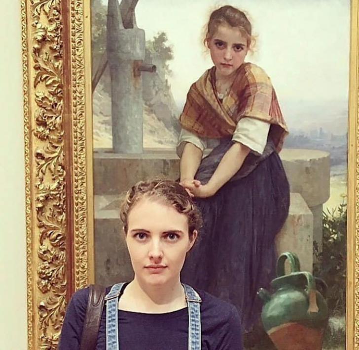 Au intrat în muzeu şi au avut un şoc: şi-au descoperit SOSIILE. Cele mai haioase fotografii!