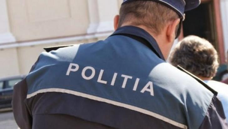 """Poliţist dezarmat şi bătut, după ce a oprit o maşină pentru control: """"Aşa ceva nu s-a mai văzut"""""""