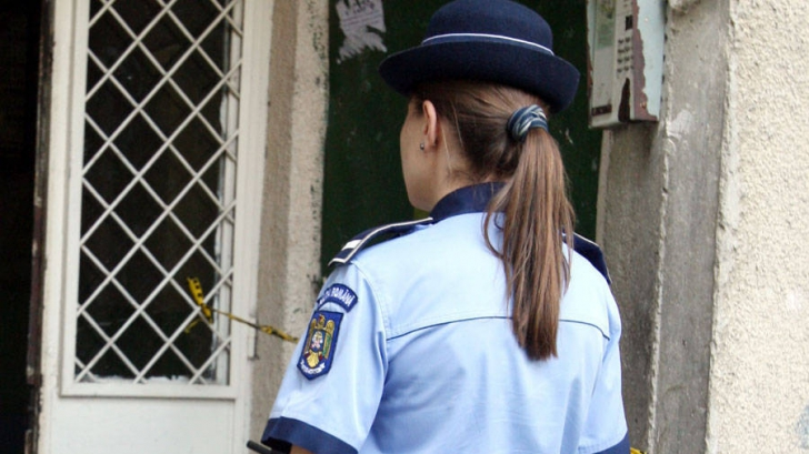 Gest de neînţeles al unei poliţiste. Acum a fost trimisă în judecată