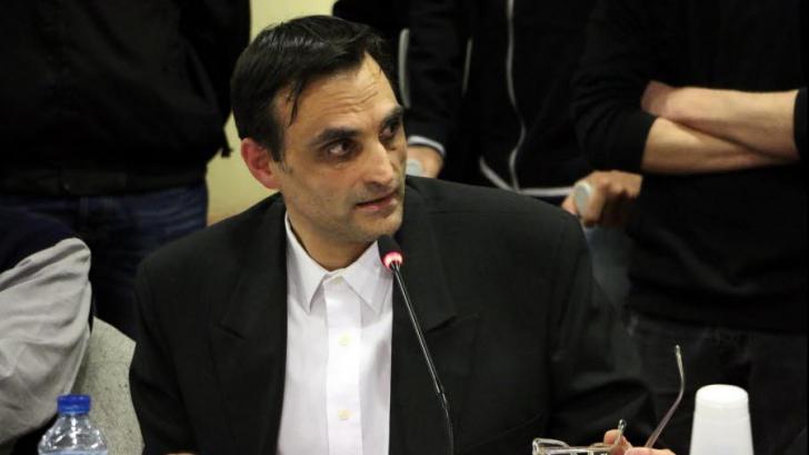 """Propunere ŞOC a unui consilier municipal din Franţa: """"Romilor să li se ia dinţii de aur..."""""""