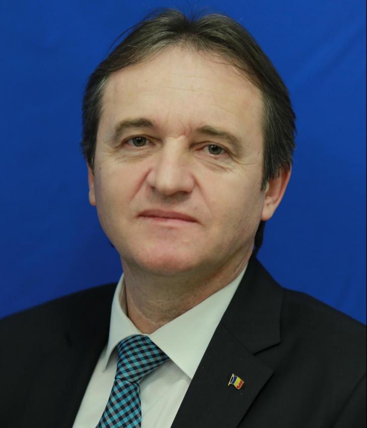 De ce ezită Weber să preia funcția de ministru al Apărării Naționale
