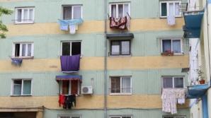 AMENZI URIAŞE pentru uscatul rufelor la vedere, în balcon, şi pentru bătutul covoarelor