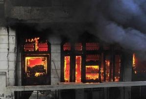 EXPLOZIE la o fabrică de artificii în Jakarta, Indonezia: cel puţin 27 de morţi, zeci de răniţi