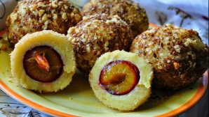 Gomboţi cu prune