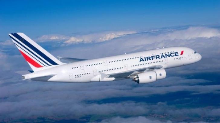 """Groază în aer. Motorul unui """"Air France"""" a cedat, avionul a pierdut din altitudine. Cum s-a terminat"""