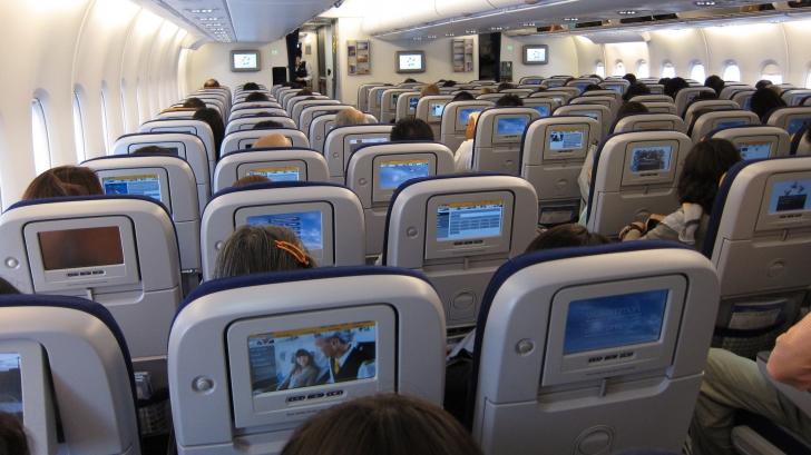 Preferi să stai la geam în avion? Iată ce spune acest lucru despre tine