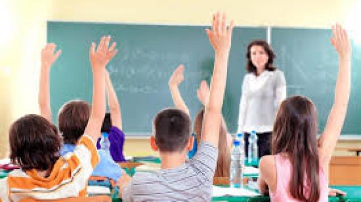 Atenţie părinţi! Este sau nu liberă ZIUA EDUCAŢIEI, 5 octombrie. Anunţul Ministerului Educaţiei