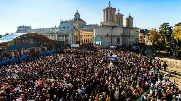 Sfântul Dimitrie cel Nou. Patriarhul Kiril al Rusiei și Daniel, liturghie specială pentru pelerini