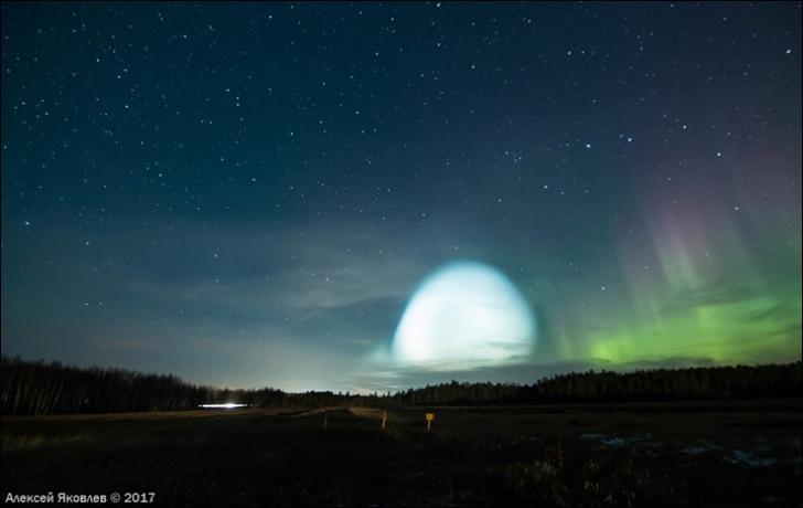 Un obiect MISTERIOS, văzut pe cer, deasupra Rusiei. Ce era globul uriaş de lumină