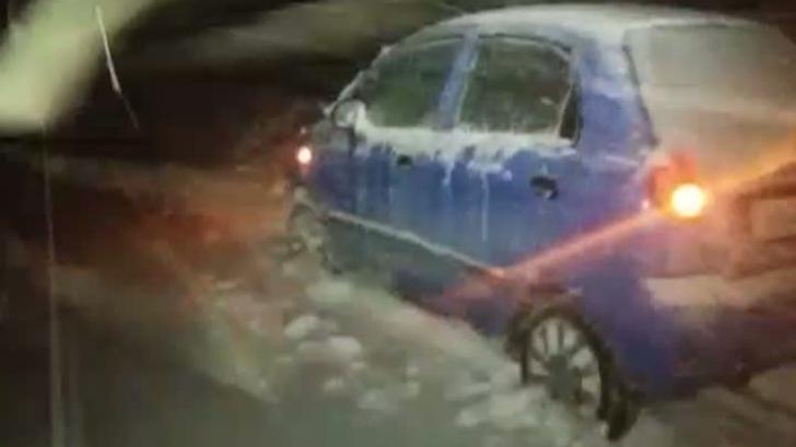 BLOCAŢI cu maşina în nămeţi, la Bâlea. Coşmar pentru 5 tineri din Argeş