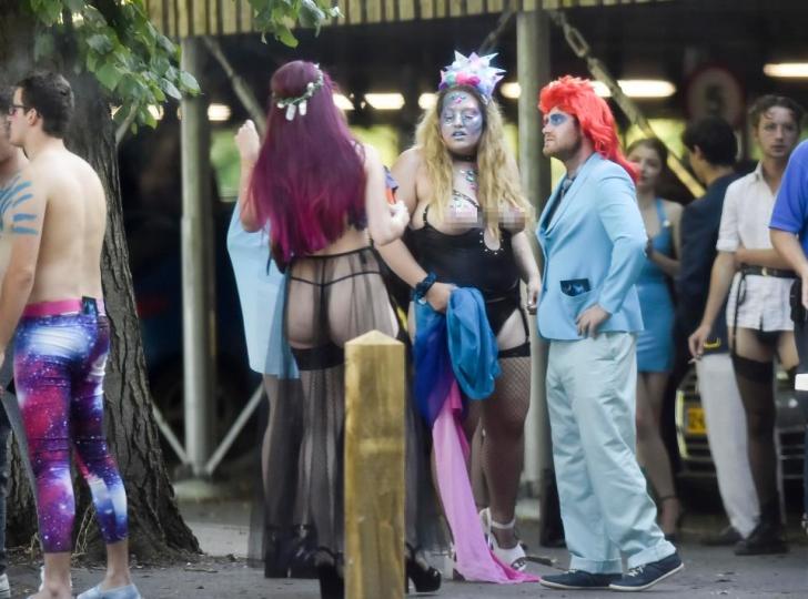 Sex, droguri, băutură şi depravare -imagini cu petrecerile NEBUNE ale studenţilor din Marea Britanie