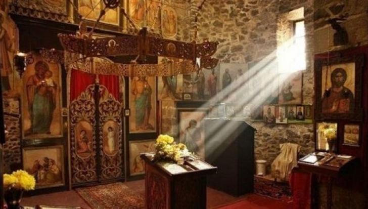 Un pustnic de la Muntele Athos a dezvăluit secretul! Ce să faci ca să vină binecuvântarea în casa ta