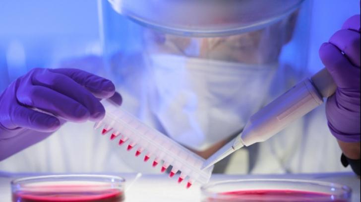 Teorie șocantă emisă de cercetători de top: SIDA ar fi fost creată pentru depopularea planetei