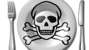 Cele mai cancerigene alimente pe care le consumi frecvent