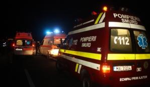 Accident cumplit în Buzău: Un autobuz a intrat în plin într-o maşină