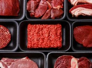 Boala consumatorilor de carne. Simptomele care ar trebui să te alarmeze