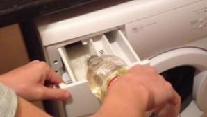 Ce se întâmplă dacă pui OŢET în maşina de spălat
