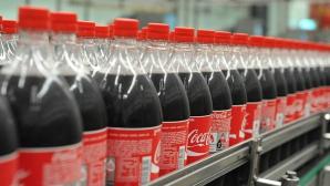 A săpat o groapă şi a turnat 12.000 de litri de Coca-Cola în ea. Ce s-a întâmplat după câteva ore