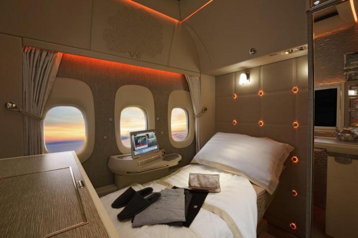 Prea lux! Cum arată dormitoarele private cu paturi din noile avioane GALERIE FOTO