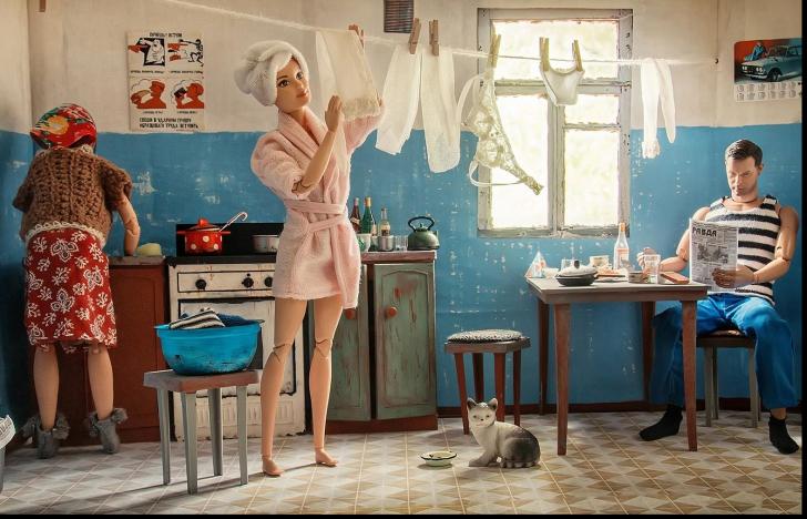 Cum ar arăta Barbie şi Ken în Rusia comunistă - experiment SPECTACULOS