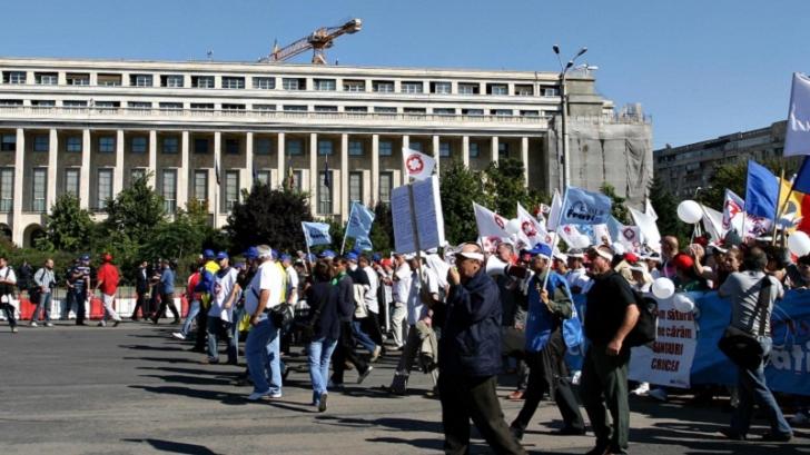 Proteste din toate direcțiile