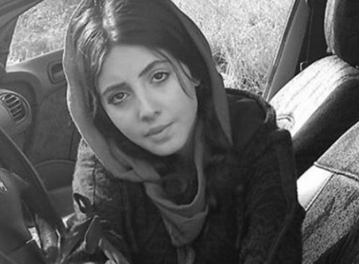 Sahar Tabar a vrut să semene cu Angelina Jolie