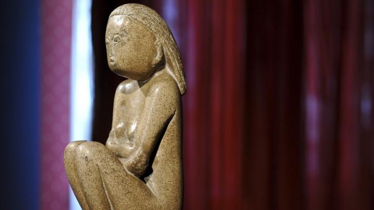 """Romanii nu mai pot vedea """"Cumintenia Pamantului"""". Unde a ajuns sculptura"""