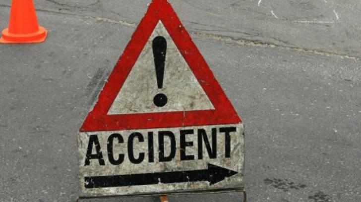 Accident grav în Argeș! Coliziune între trei maşini pe DN 65: patru răniți