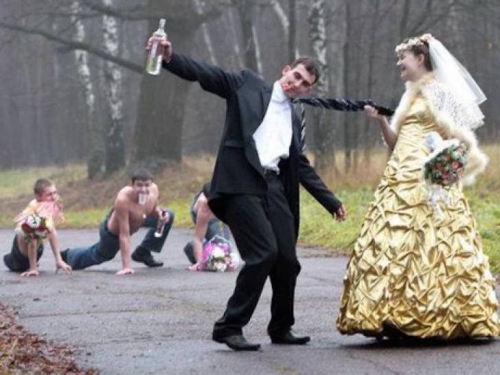 Cele mai penibile poze de la nunţi. Este ireal ce fac mirii