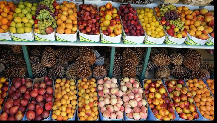 Greşeala care te poate ucide în 24 de ore: Nu mai consumaţi aceste fructe dacă nu coapte complet!