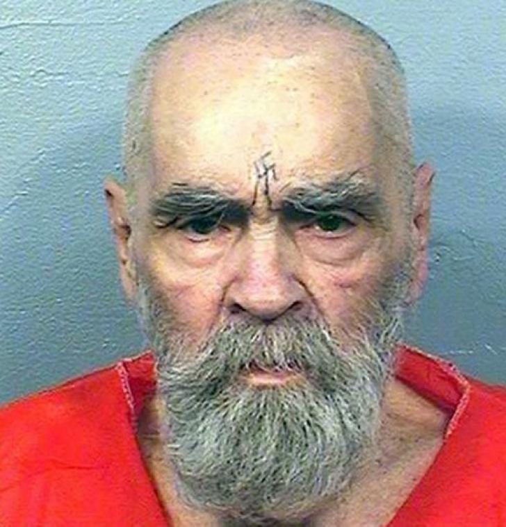 Charles Manson, unul dintre cei mai detestați ucigași americani, a murit