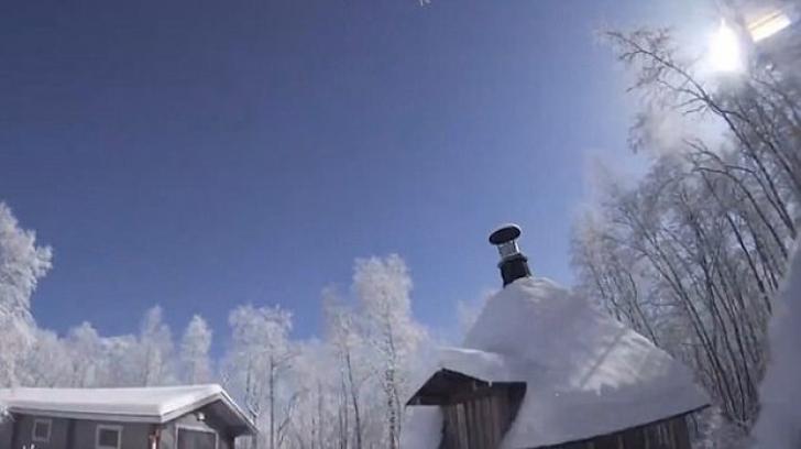 Un METEORIT a lovit Laponia: lumina orbitoare a făcut din noapte zi. Casele s-au cutremurat