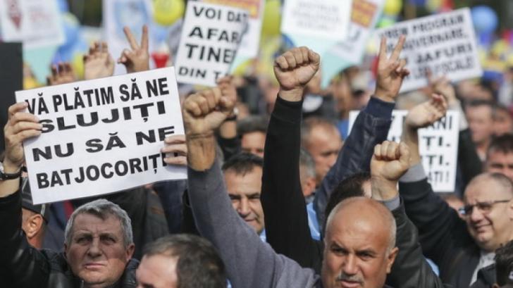 Se cer măsuri DURE pentru deputatul PSD care a insultat un protestatar