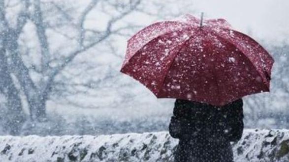 Vine iarna! Vremea se răceşte accentuat: De astăzi, ninsori și intensificări ale vântului