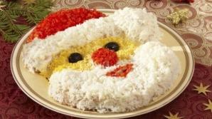Arată incredibil! Salata Moş Crăciun pentru sărbătorile de iarnă. Vei da pe spate musafirii!