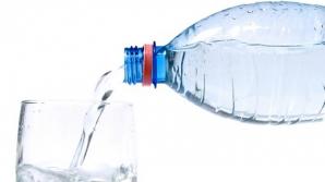 Motivul incredibil pentru care TREBUIE să bei apă rece dimineaţa, pe stomacul gol