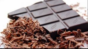 De ce TREBUIE să consumi zilnic, iarna, ciocolată neagră. Îţi poate salva viaţa!