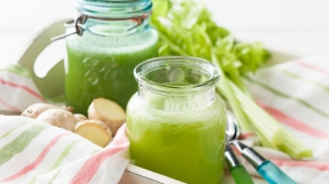Beneficiile spectaculoase ale sucului de ŢELINĂ. Nu trebuie să-ţi lipsească din meniu