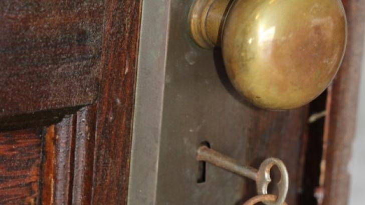 Acest apartament a fost abandonat. După 70 de ani, au deschis uşa... Au găsit ceva cutremurător!