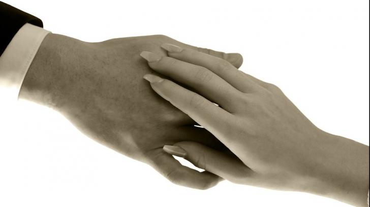 Acest semn de pe mâna bărbaților dezvăluie ce fel de femei le plac