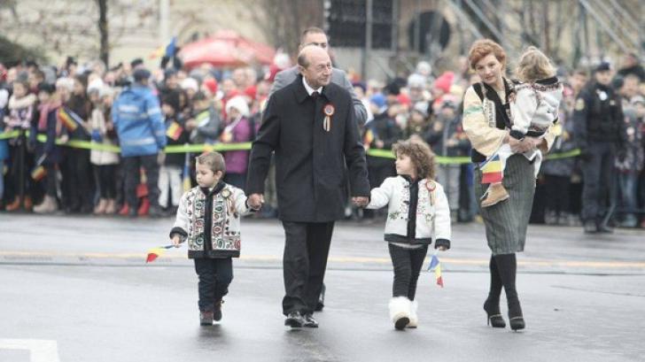 Nepoții lui Traian Băsescu, vedete la parada de 1 Decembrie, Ziua Națională VIDEO