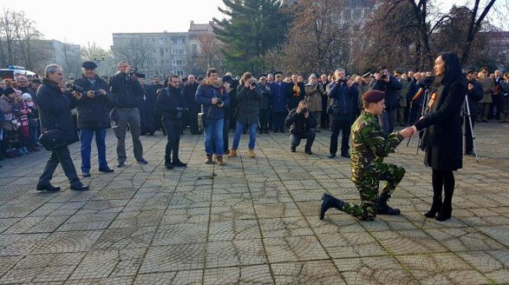 Cerere în căsătorie la Oradea, la parada de Ziua Națională