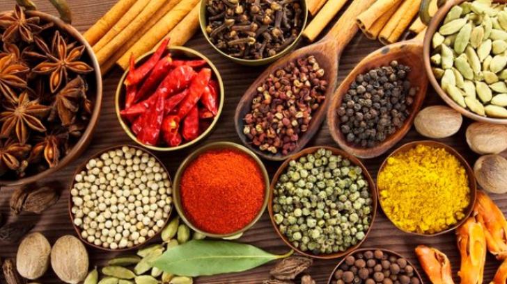 Top 5 condimente pe care le foloseşti de sărbători. Află ce beneficii au pentru sănătate