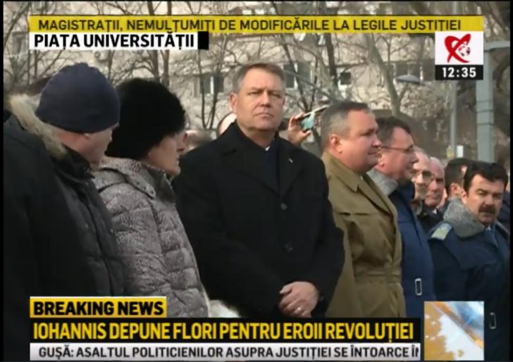 Președintele Iohannis, în Piața Universității. A depus flori pentru eroii Revoluției