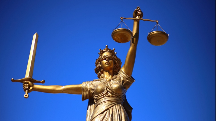 Legile justiției, traduse pentru ambasade
