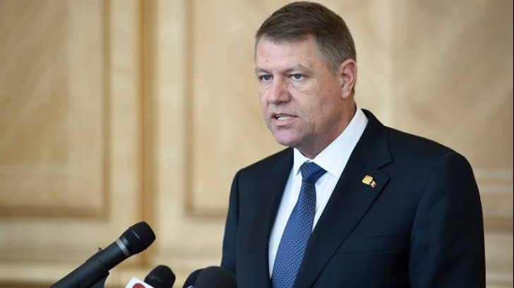 Luptă dură între Iohannis și Băsescu. Cine a câștigat? Ce i-a enervat pe români în 2017?