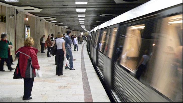 Un nou incident la metrou: Ce i-a zis agresoarea femeii pe care ar fi vrut să o împingă pe şine