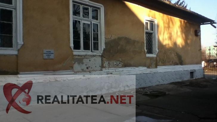 Cum arată zidul unde a fost împuşcat Nicolae Ceauşescu pe 25 decembrie 1989, la Târgovişte