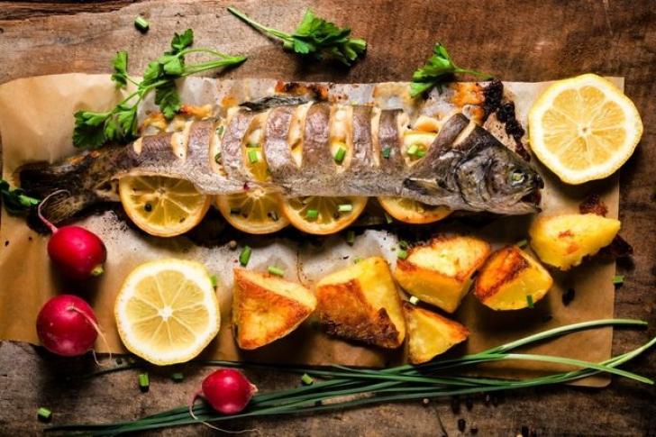 SUPERSTIŢII DE REVELION. Care este motivul pentru care peştele nu trebuie să lipsească de pe masă
